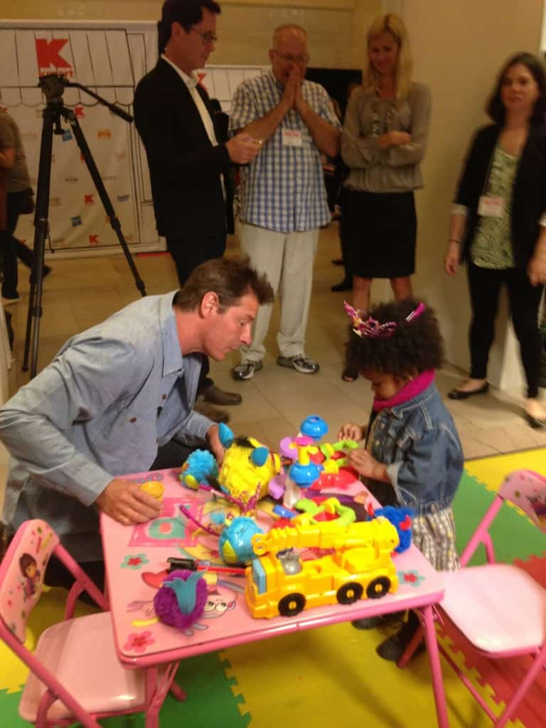 Ty Pennington, world's largest bake sale, kids