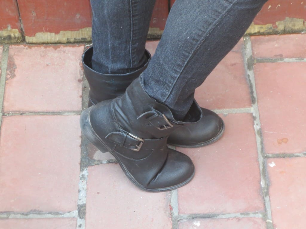 fashion friday, mom fashion, motorcycle boots
