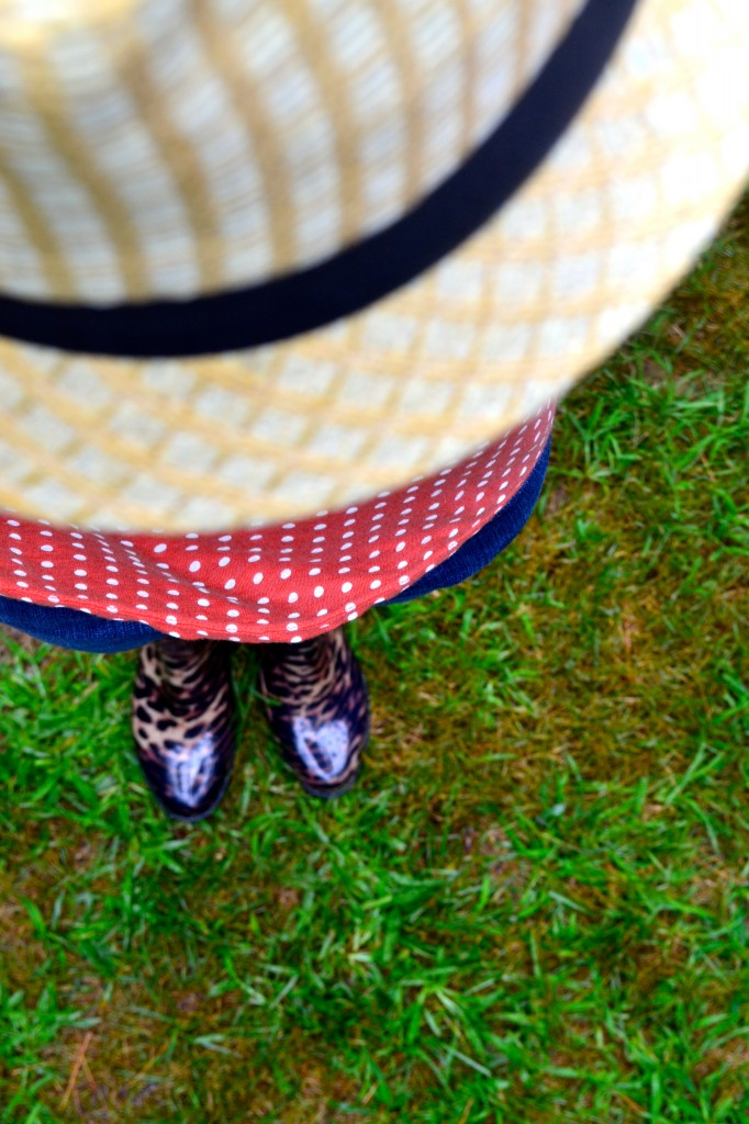 straw fedora, polka dot shirt, skinny jeans and cheetah wellies