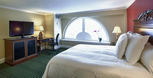 bourbon orleans hotel room