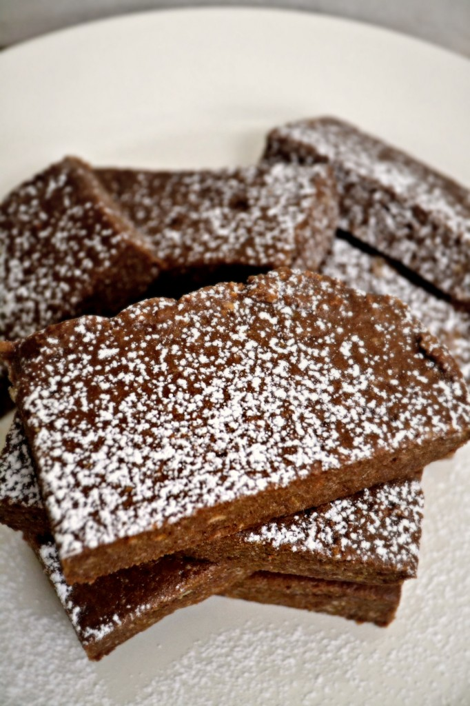 This Nutella Ritz bars recipe is a perfect no-bake dessert. Even the kids can make it all by themselves!