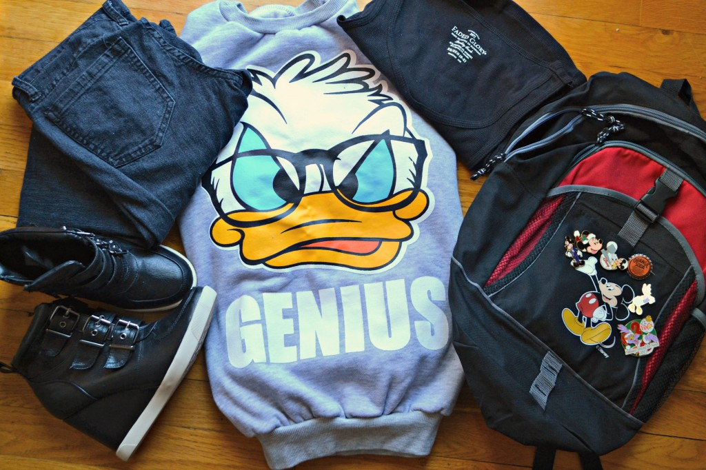 Here's a helpful article on what to wear to Disney Social Media Moms Celebration