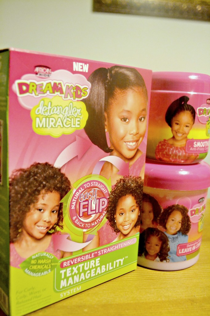 Natural hair mom and 3 year old daughter try out the new Dream Kids Detangler Miracle Texture Manageability System.