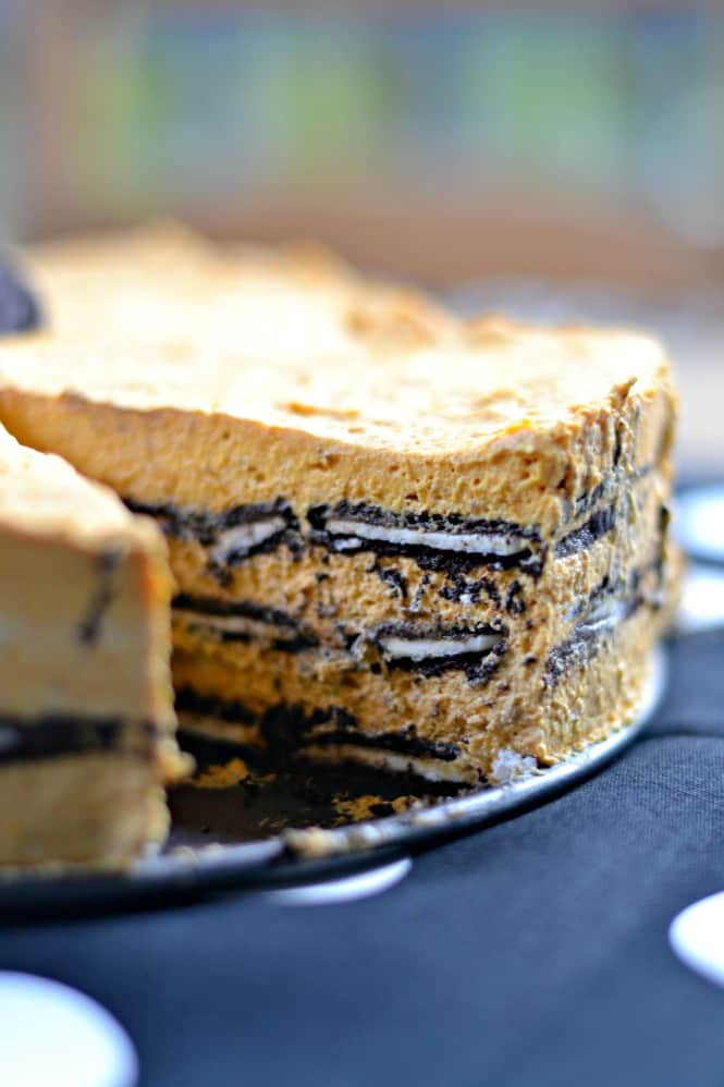 Need a quick and easy Halloween dessert? How about a fun no-bake Thanksgiving dessert? This Oreo Pumpkin Icebox Cake is the perfect treat for fall!