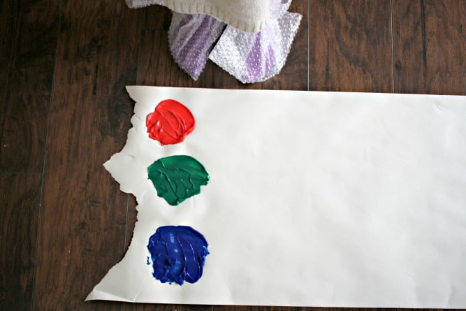 You have to try out these 3 messy crafts for kids! They are simple, fun, and this mom shares how she cleans them all up FAST. #sponsored