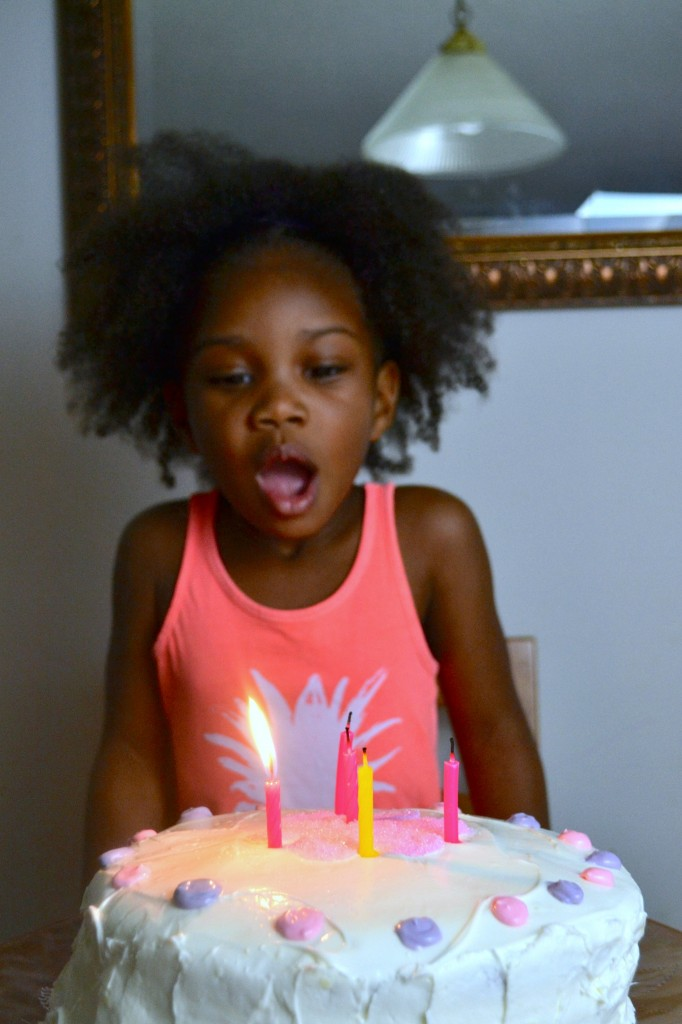 This little girl is 4 and her mom is excited about her new journey. After all, 4 is a good age.