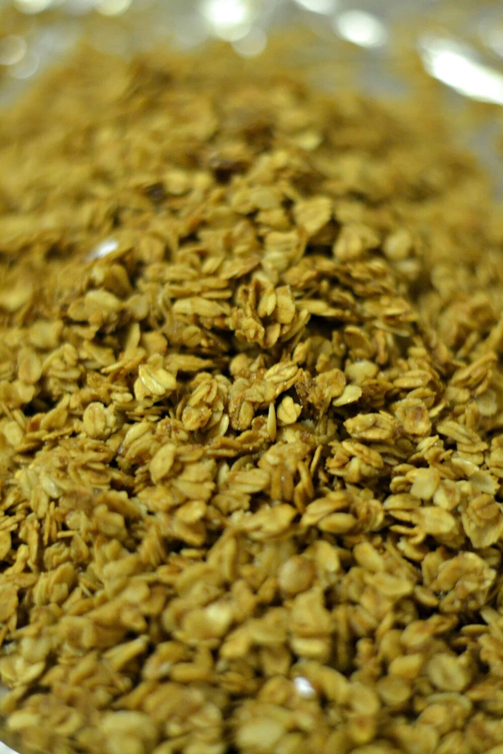 Short on time and need an easy granola recipe? This one uses items that are right in your pantry!