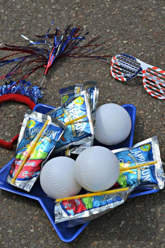 Looking for a fun 4th of July game the kids can play during the holiday? This outdoor game uses items right from the dollar store!