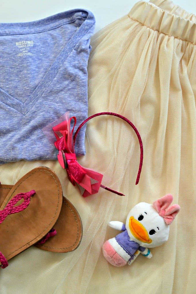 Daisy Duck Disneybound