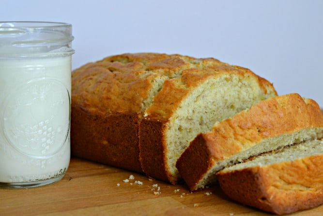 Looking for an easy banana bread with simple ingredients and lots of butter? You have to try this one.