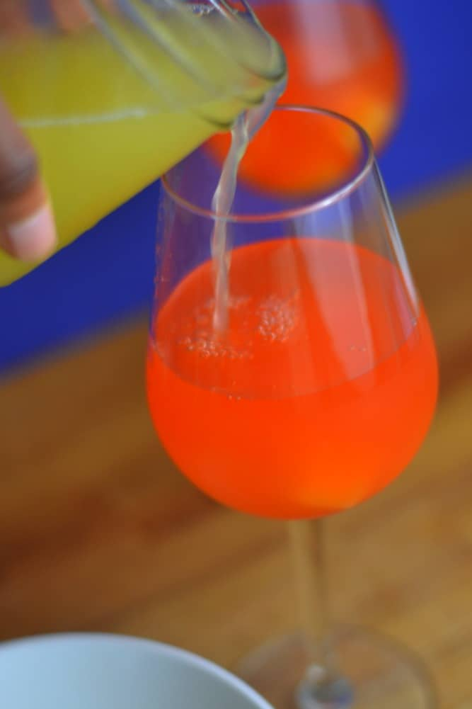 Looking for a simple cocktail for Girl's Night In? You have to try this one! #AlizeInColor #sponsored