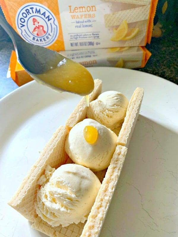 If you love lemon meringue pie, or sundaes, this lemon meringue pie sundae recipe will rock your world.